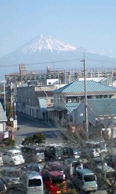 意外に富士山の雪が少ないなぁ