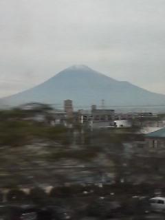 久しぶりに富士山のピークが見えました
