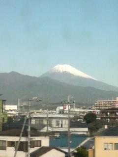 富士山の雪が増えています