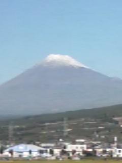 すっきり晴天下の富士山です