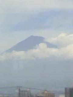 少しは前よりくっきりした富士山