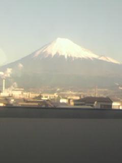 そら乾き薄雲高く富士の上