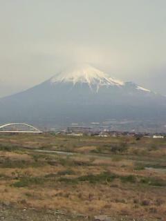 柔らかい光線の中の富士山